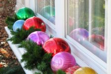 03 oversized ornaments and evergreens for decoratign window boxes