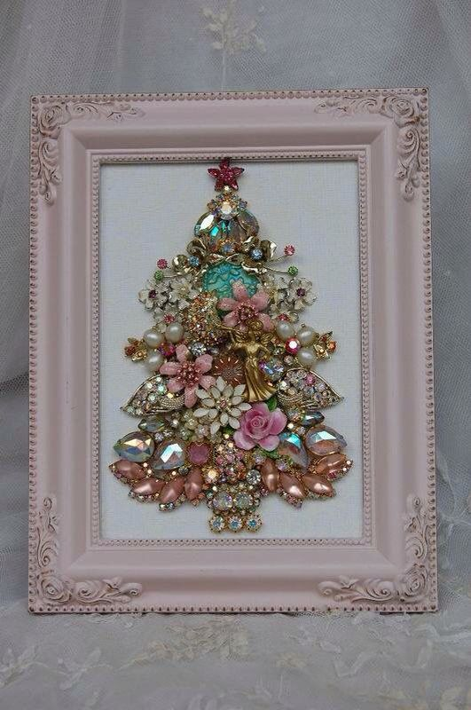 a vintage-inspired Christmas jewelry tree in a pink frame for a shabby interior
