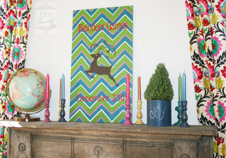 DIY chevron reindeer Christmas sign (via diyshowoff.com)