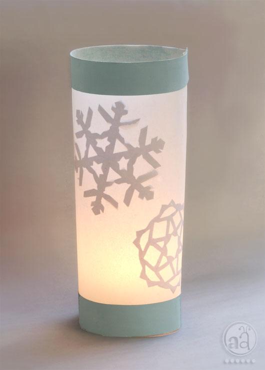 DIY paper snowflake votive cover (via www.artsyants.com)