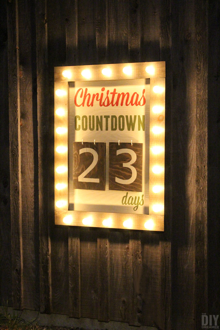 DIY countdown marquee sign (via thediydreamer.com)