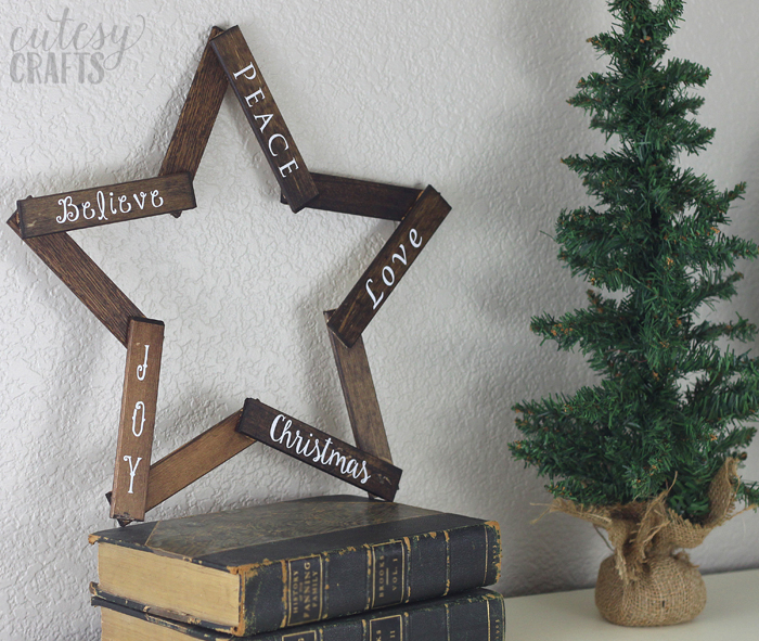 diy wooden star christmas wreath via cutesycraftscom