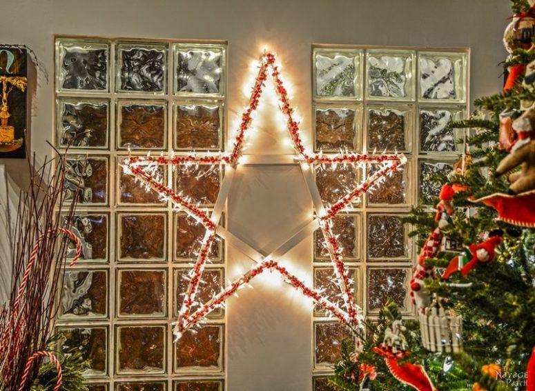 DIY lit up Christmas star wreath (via www.thenavagepatch.com)