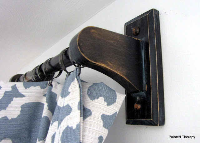 DIY distressed curtain rods in vintage style (via paintedtherapy.blogspot.ru)