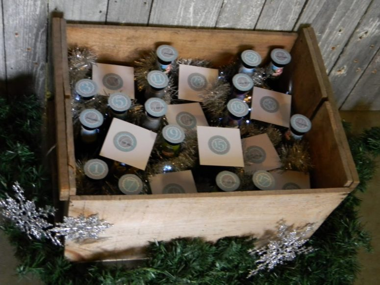 DIY crate with beer bottles advent calendar (via www.2littlehooligans.com)
