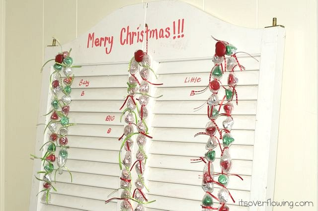DIY Hershey's Kisses advent calendar (via www.itsoverflowing.com)