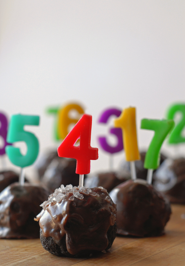 DIY Oreo cookie balls countdown (via asubtlerevelry.com)