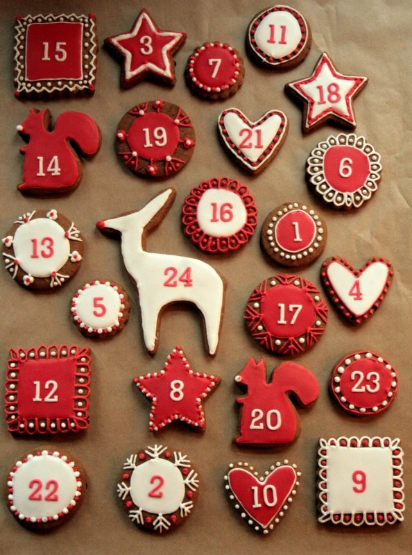 DIY glazed gingerbread cookie calendar (via www.butcherbakerblog.com)