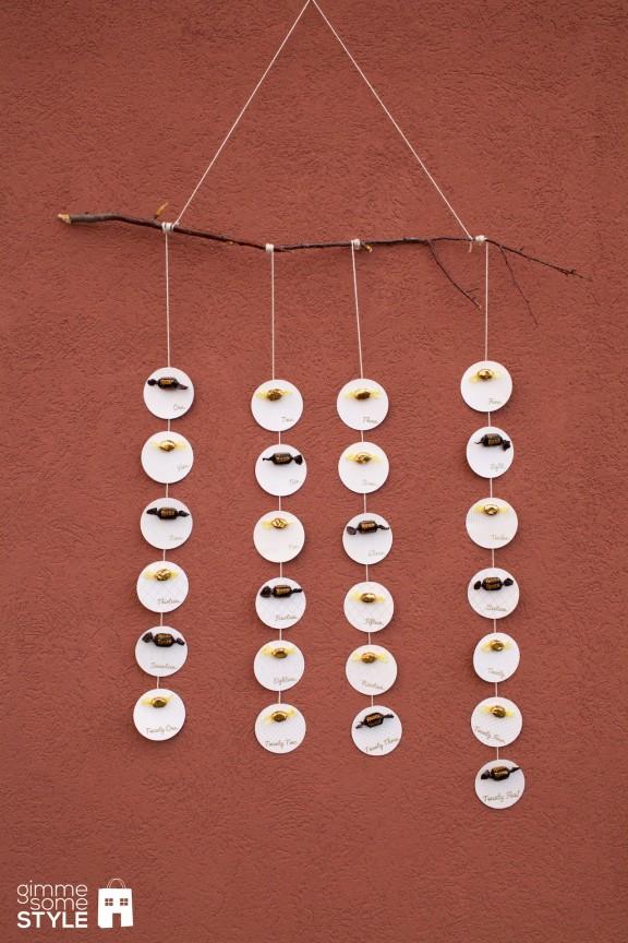 DIY candy advent calendar (via www.gimmesomeoven.com)