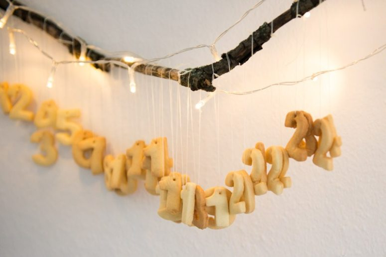 DIY butter number cookies calendar (via kittenhood.ro)