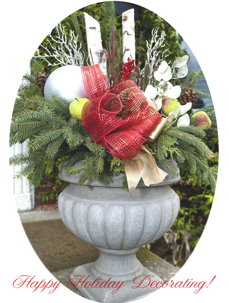 DIY evergreen Christmas urn arrangement (via salvagedinspirations.com)