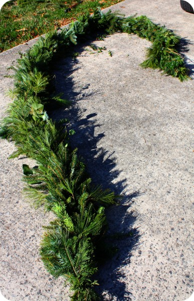 DIY evergreen garland (via craftthyme.com)