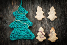 DIY knit Christmas tree ornament with beads