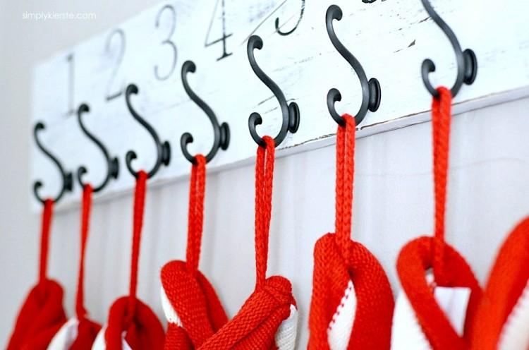 DIY numbered Christmas stocking hanger (via simplykierste.com)