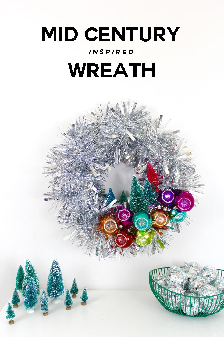 DIY mid-century modern wreath (via craftandtell.com)