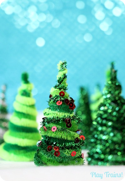 DIY pipe cleaner Christmas trees