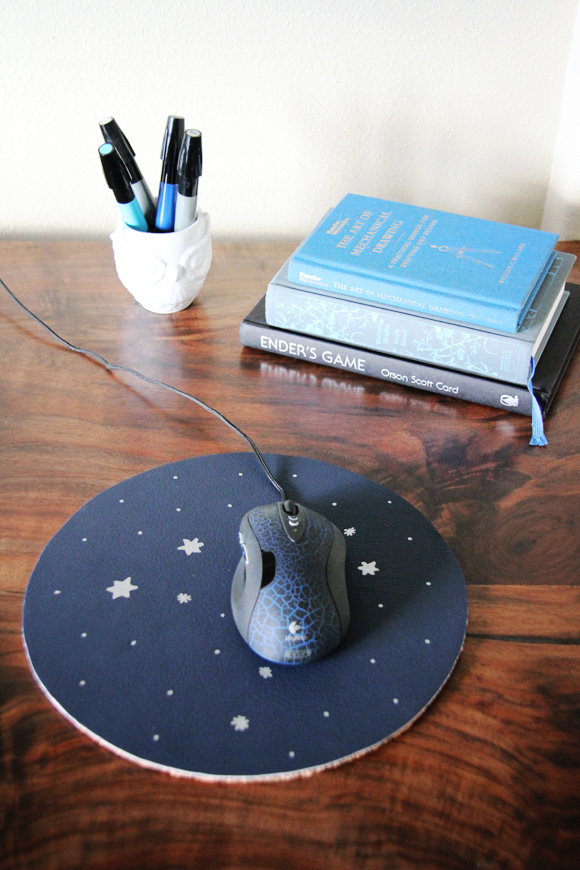 DIY constellation mousepad (via www.lovelyclustersblog.com)