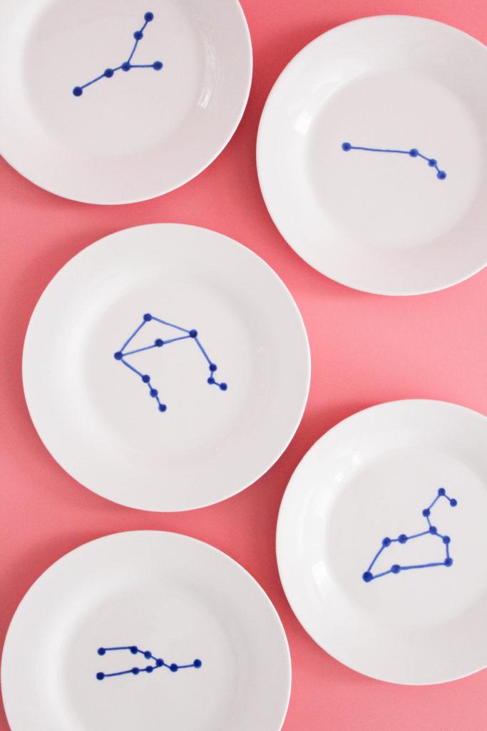 DIY Zodyac appetizer plates (via www.letsmingleblog.com)