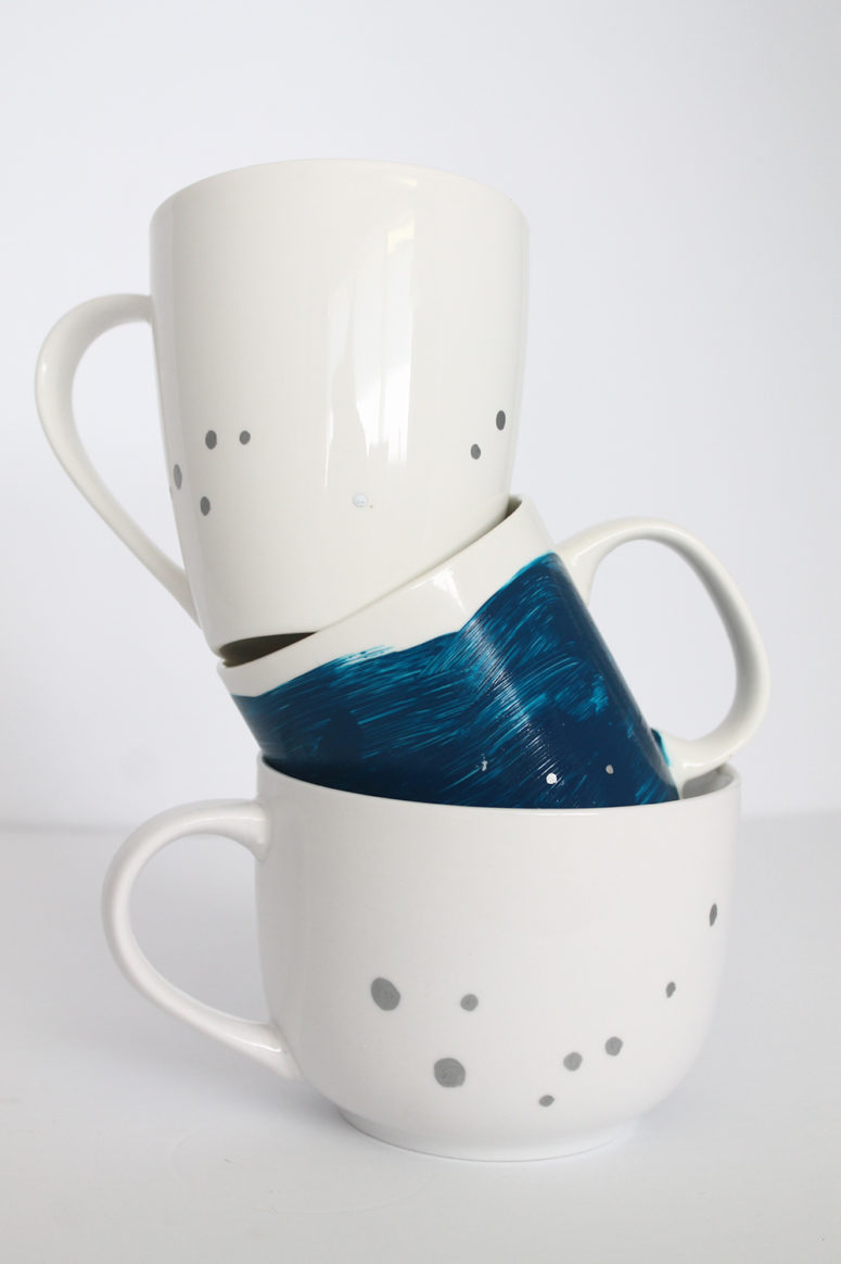 DIY constellation mugs (via squirrellyminds.com)