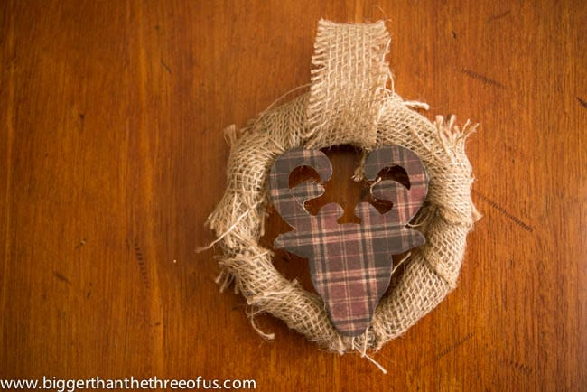 DIY burlap wreath and deer head ornament