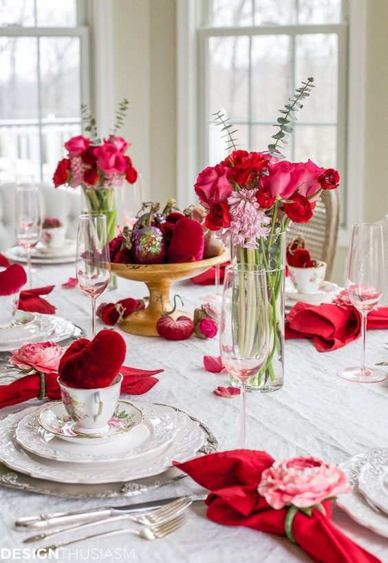 Cutest galentine tablescapes to get inspired obsigen