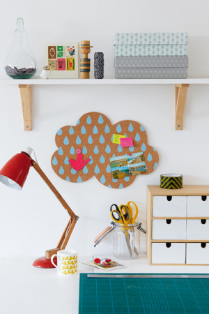 DIY rainy cloud cork pinboard (via www.essentials.co.za)
