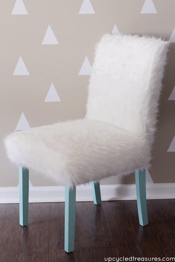 DIY turquoise legs and white faux fur chair (via mountainmodernlife.com)