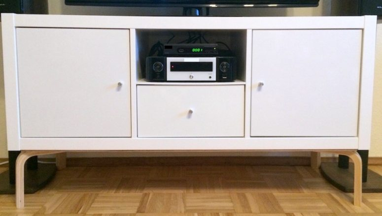 DIY modern TV unit of Kallax and Frosta (via www.ikeahackers.net)