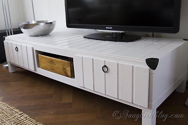DIY IKEA TV stand of a Lack table (via www.songbirdblog.com)