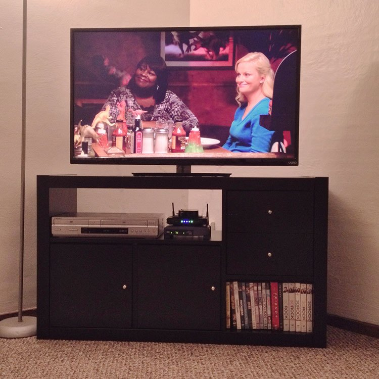 DIY IKEA Expedit TV stand (via www.ikeahackers.net)