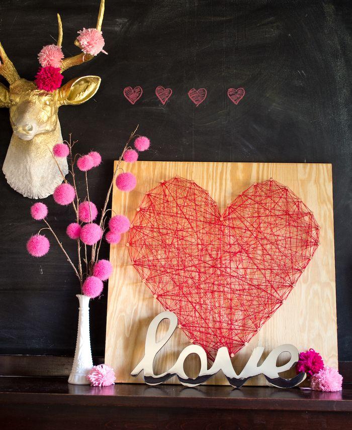 DIY oversized red heart string art (via www.handmakerofthings.com)