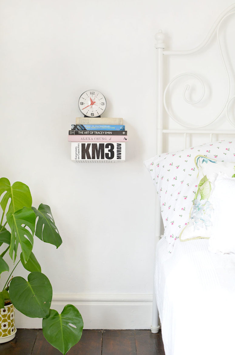 DIY floating book bedside shelf (via www.burkatron.com)