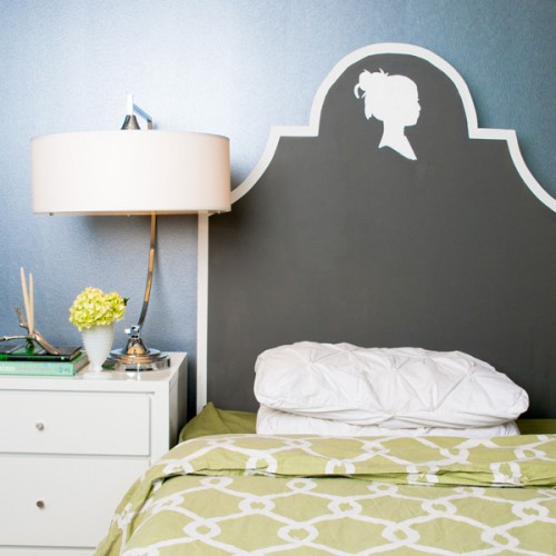 DIY chalkboard headboard with a silhouette (via www.shelterness.com)