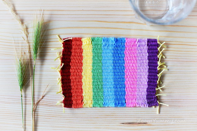 DIY colorful striped coasters (via zoomyummy.com)