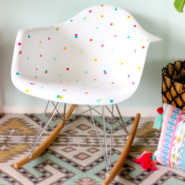 DIY confetti chair (via akailochiclife.com)