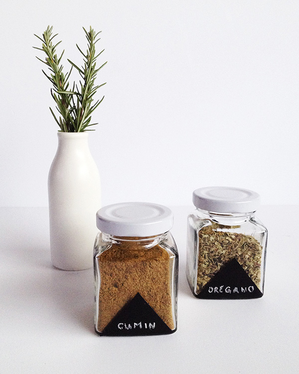 DIY chalkboard painted spice jars (via makeandtell.com)
