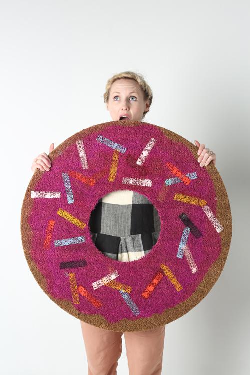 DIY donut rug (via thehousethatlarsbuilt.com)