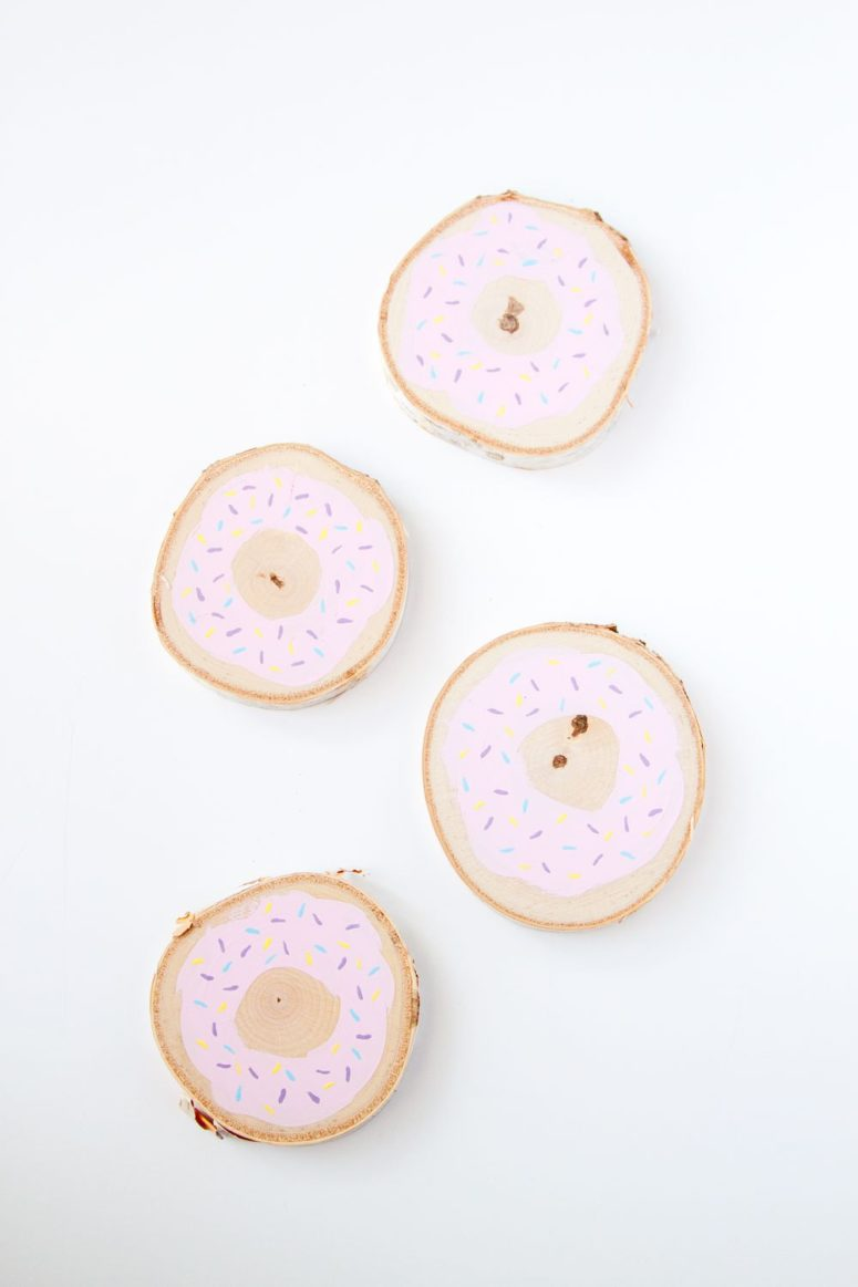 DIY donut coasters of birch wood slices (via www.thesassylife.com)