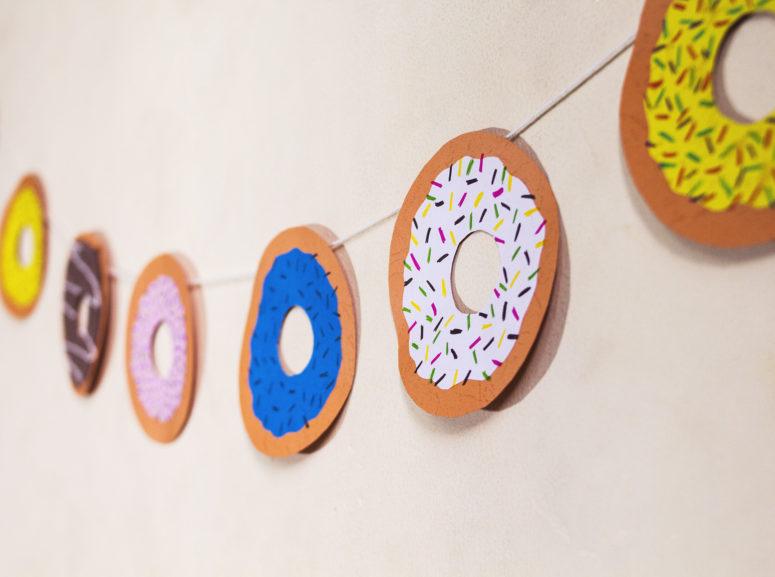 DIY paper donut garland (via iwearabow.com)