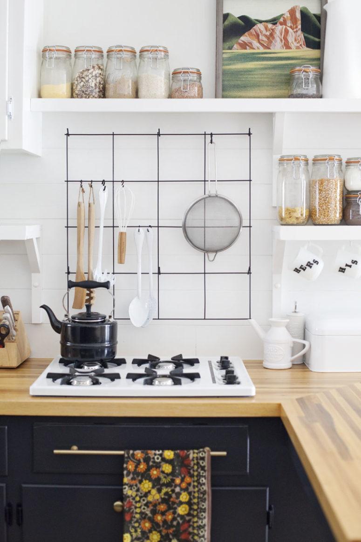 DIY wire utensil kitchen rack (via abeautifulmess.com)