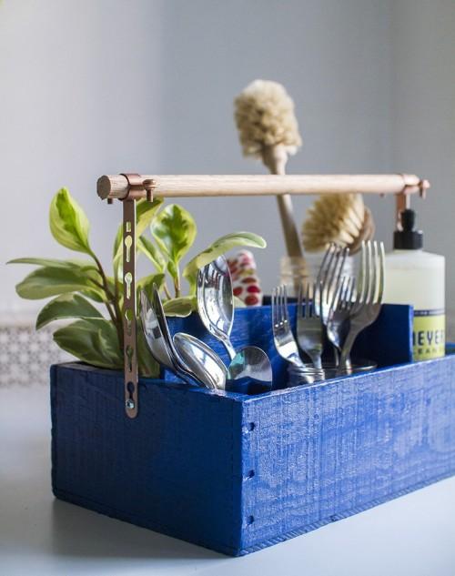DIY vintage industrial utensil organizer (via www.shelterness.com)