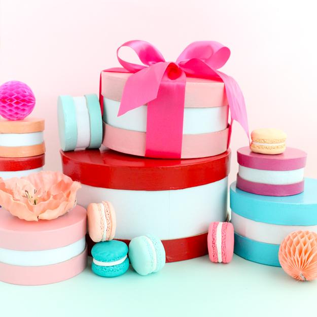DIY macaron-inspired Valentine boxes (via akailochiclife.com)
