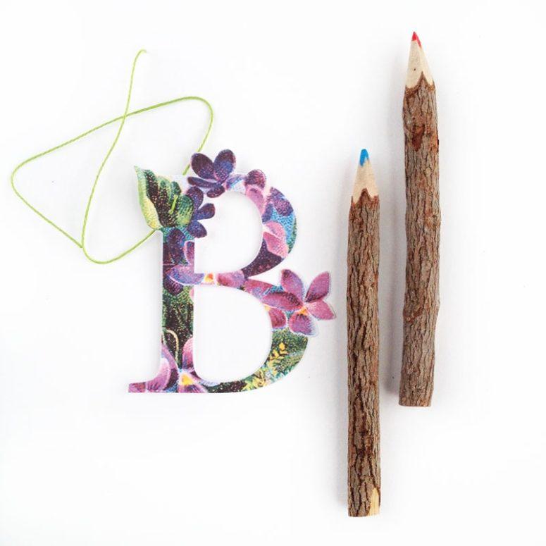 DIY vintage floral letter gift tags (via maritzalisa.com)