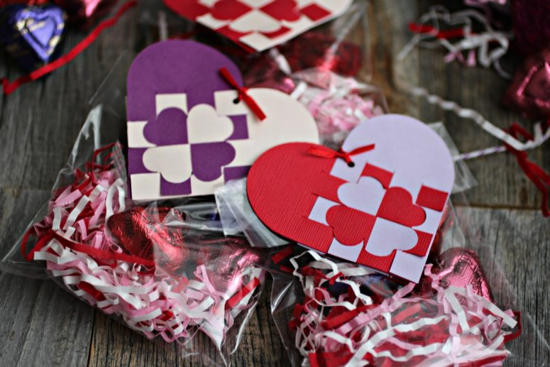 DIY heart-shaped woven gift tags in purple and red (via atouchofthat.com)