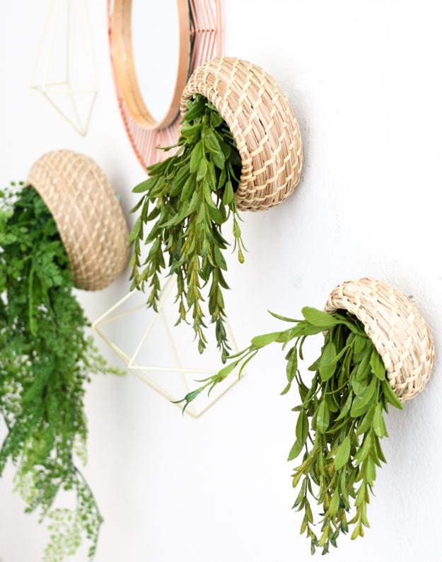 DIY hanging basket planters (via akailochiclife.com)