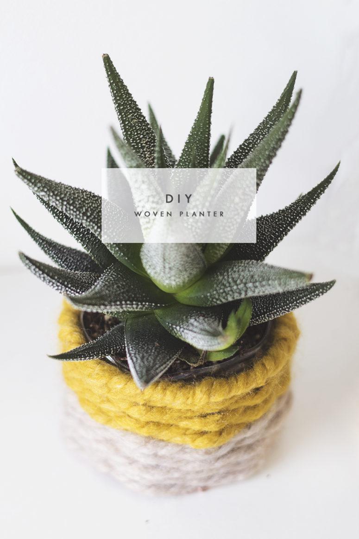 DIY color block woven planter cover (via thelovelydrawer.com)