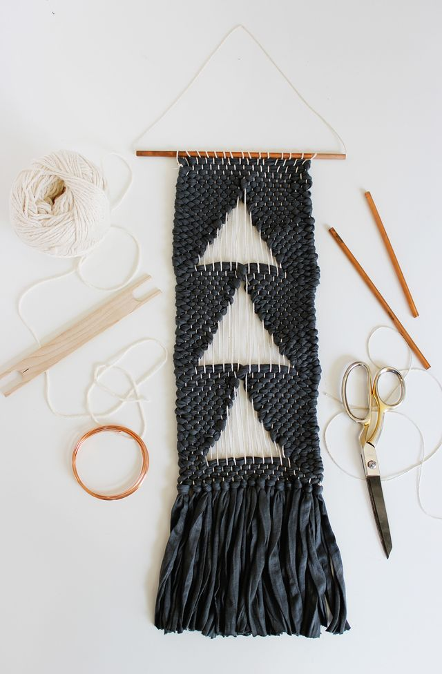 DIY negative space woven wall hanging (via abeautifulmess.com)