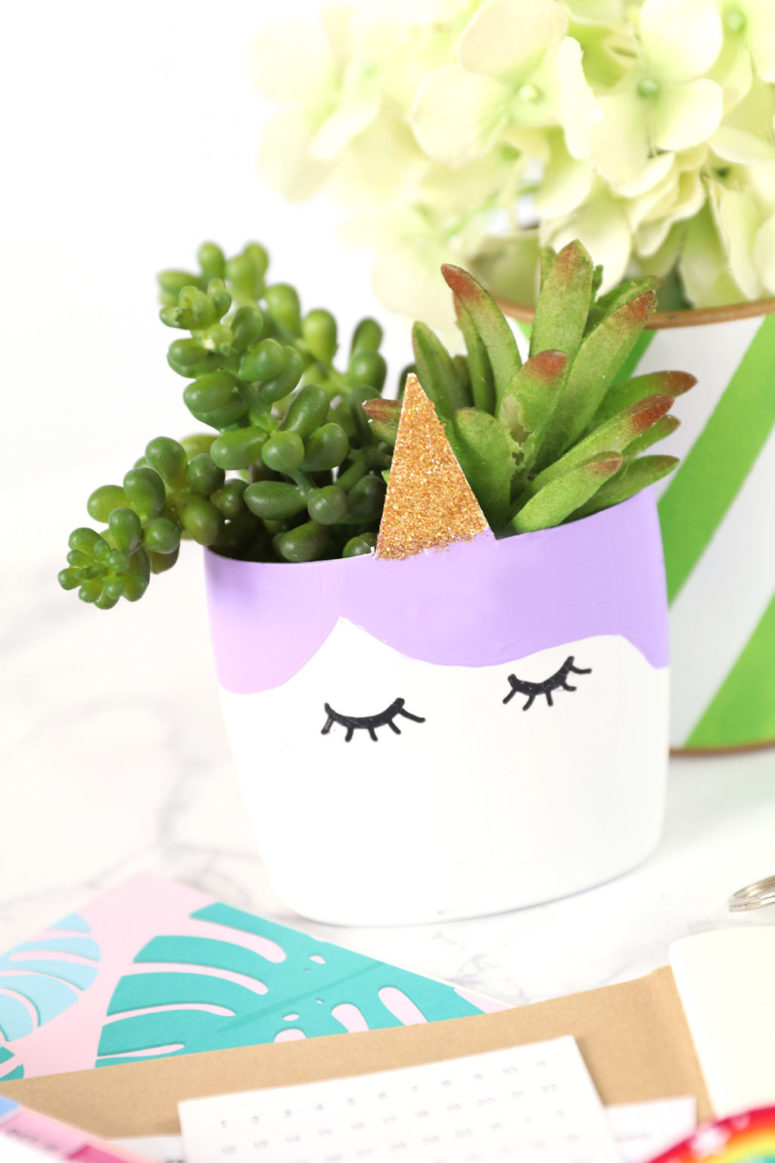 DIY upcycled unicorn planter (via damasklove.com)