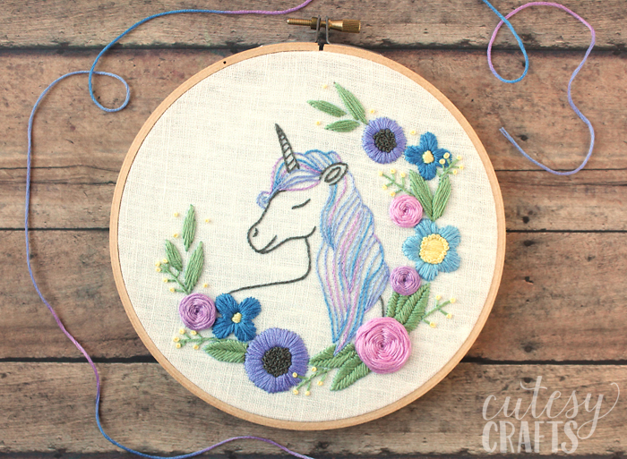 DIY floral unicorn embroidery (via cutesycrafts.com)