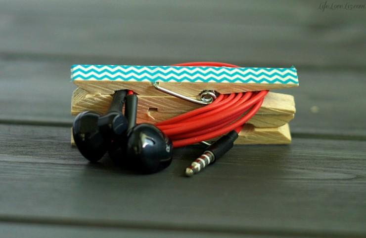 DIY washi tape clothespin ear bud holder (via www.lifeloveliz.com)